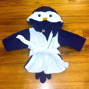 Baby Aspen Hooded Robe Towel Bath Penguin 0-9 M
